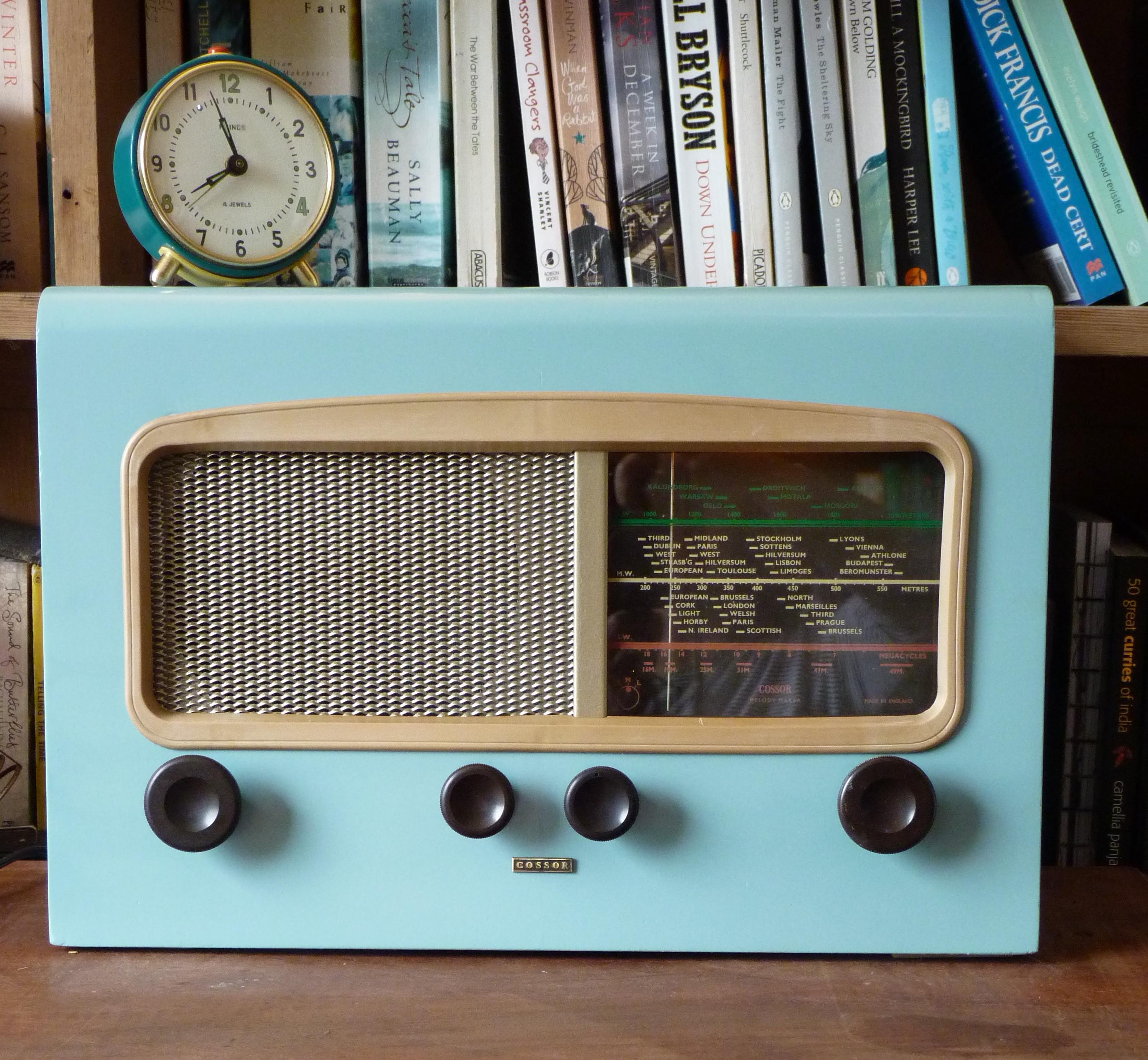 Vintage farmyard radio wayne 39 s radios for Classic house radio station