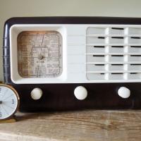 Midget Vintage Valve Radio